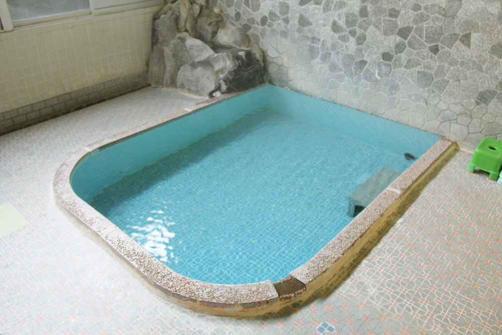 梅屋旅館の浴槽の写真
